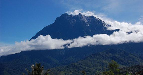 highest_mountain_in_southeast_asia_40952m_kota_kinabalu_sabah_malaysia