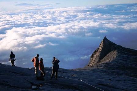 sabah_-_mount_kinabalu_sea_of_clouds